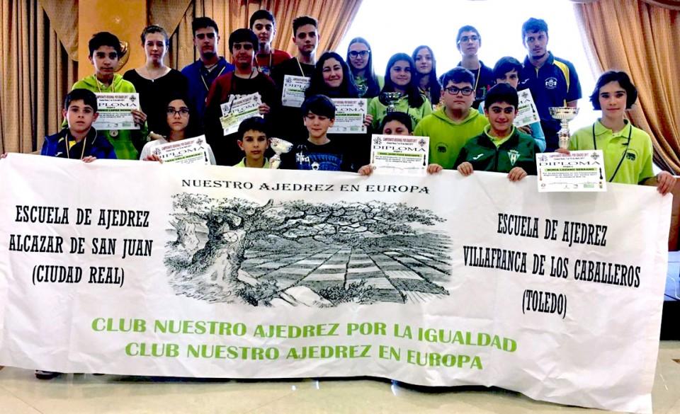 """Un oro y tres platas para """"Nuestro Ajedrez en Europa"""" en el Regional por Edades"""