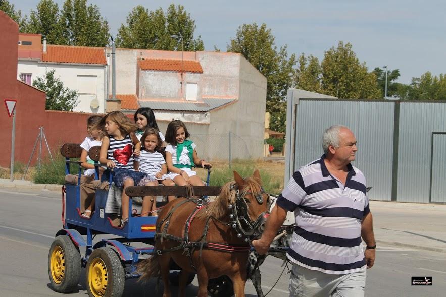 """Arrancan las fiestas patronales de Villafranca con la Petición Tradicional del Cristo y """"El Día de los Carros"""""""