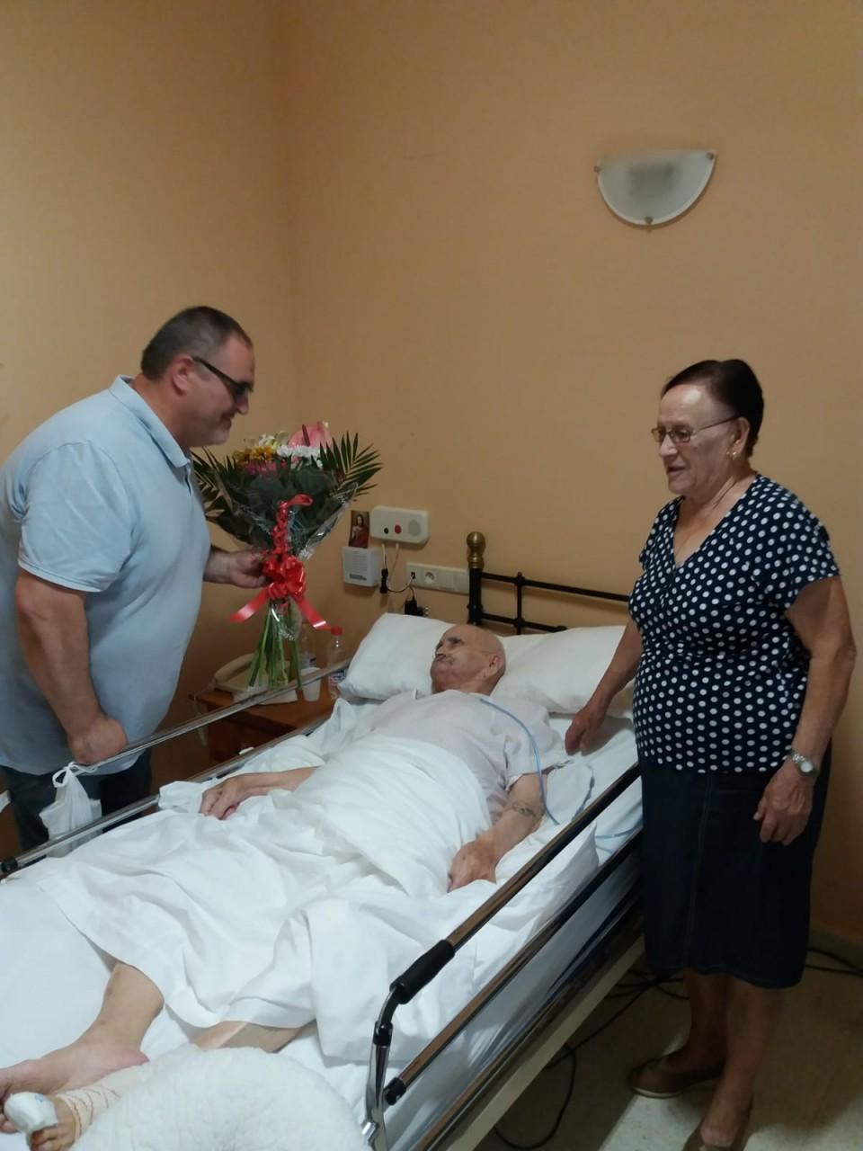 Villafranca rinde homenaje a sus mayores en la festividad del Día de los Abuelos